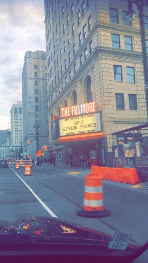 Outside+of+the+Fillmore+Theater%2C+the+venue+of+Boo+Bash%2C+before+the+concert+began+.