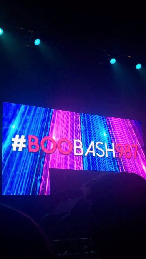#BooBash98.7 was the cncert hashtag used to share photos and videos with 98.7 radio station throughout the night.