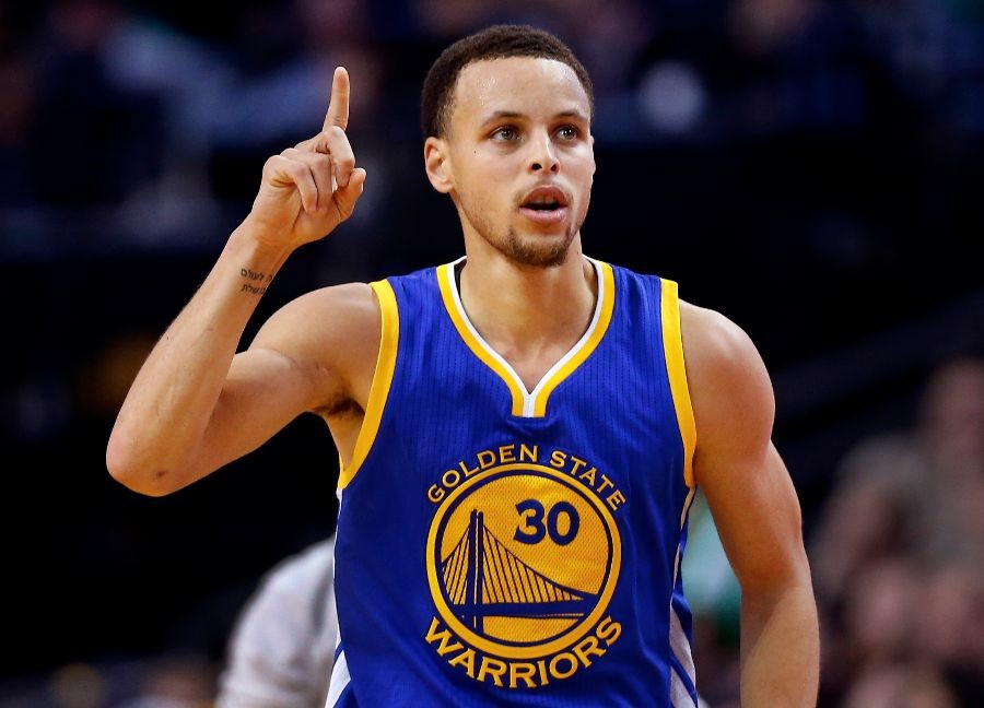 Golden+State+Warriors+guard+Stephen+Curry+heads+down+the+court+after+making+a+three+point+shot+during+the+second+half+of+the+Golden+State+Warriors+106-101+win+over+the+Boston+Celtics+in+an+NBA+basketball+game+in+Boston%2C+Sunday%2C+March+1%2C+2015.+%28AP+Photo%2FWinslow+Townson%29